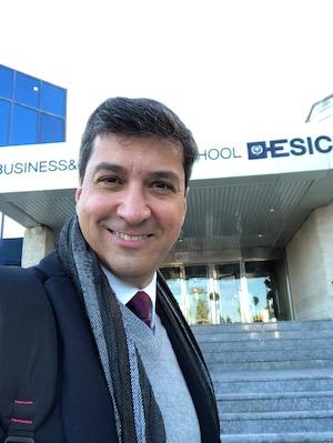 Carlos Victor Costa es director de las másteres de Comunicación y Publicidad de ESIC